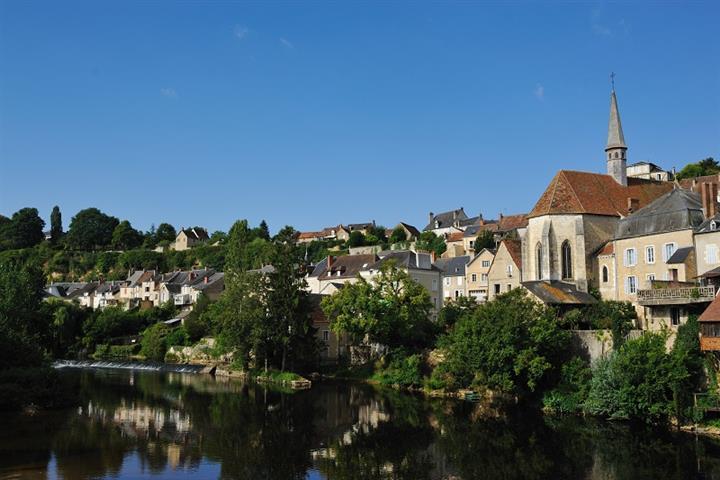 Maisons au bord de l'eau à Argenton-sur-Creuse, Indre