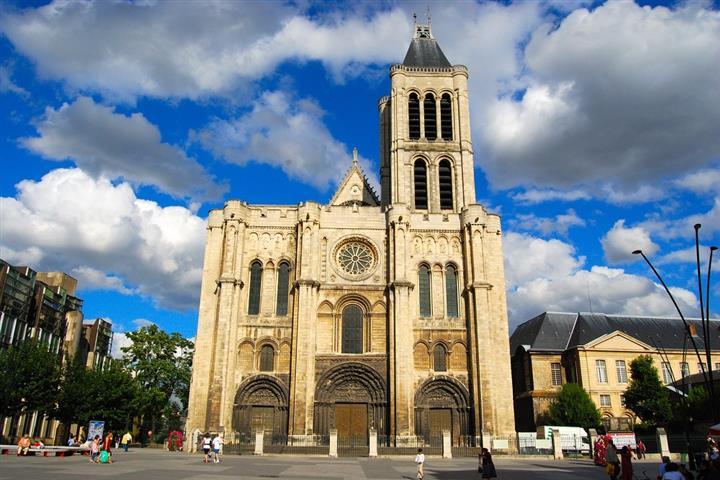 Basilique Saint-Denis, Saint-Denis
