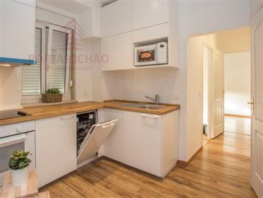Apartamento T1+1 remodelado | junto ao Palácio da Ajuda | Belém | Lisboa