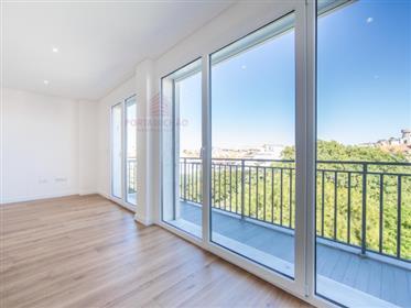 Apartamento T5 Duplex | Novo | Vista Jardim Constantino