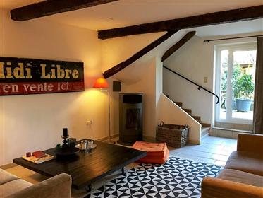 Beautiful property with main residence of 6 bedrooms and a gite on 8512 m² with pool.