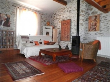 Spacious village house with 160 m² of living space and possibility to create a terrace .