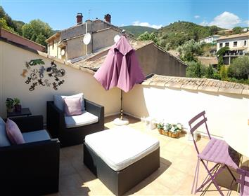 House with 3 bedrooms, garage, convertible attic, courtyard and non-attached garden of 275 m².