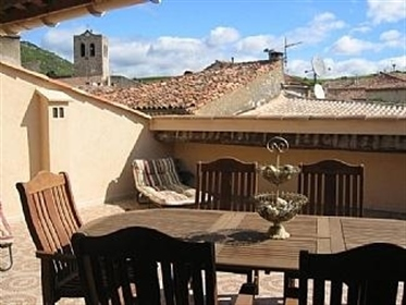 Spacious renovated village house with 6 bedrooms, garage and large terrace.