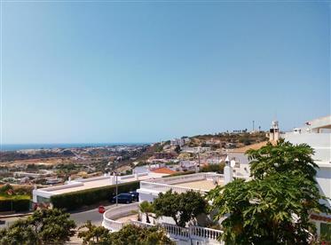Moradia Geminada V3 com vista para o mar em Albufeira