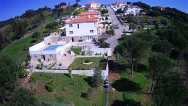 Moradia V3 + 2 com piscina em A-dos Francos