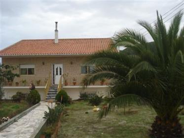 Pequena Quinta perto de Bombarral e Óbidos
