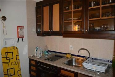 Apartamento T1 em Albufeira, com piscina e garagem, em condo...