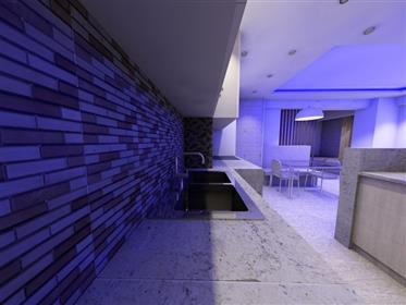 Apartamento T1 em Armação de Pêra em completa remodelação com garagem