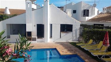 2 maisons, pour le prix d'une, avec piscine à Albufeira