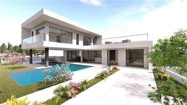 Moradia isolada V3+1 em Alcantarilha com piscina