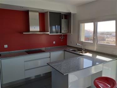 Apartamento T3 moderno com garagem a 10 minutes a pé da praia do Baleal
