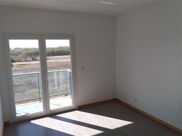 Apartamento T3 moderno com garagem a 10 minutes a pé da prai...
