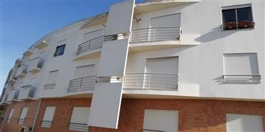 Apartamento T2 com lugar de estacionamento na Nazaré