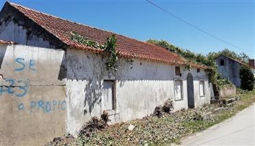 Maison à rénover avec terrain à Alcobaça