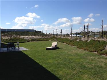 Vivenda moderna no Golf Resort