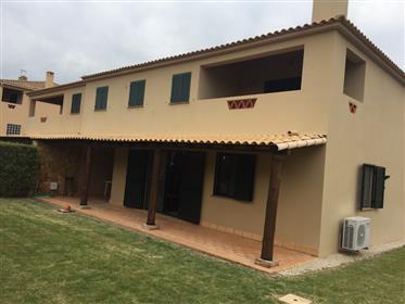 Excelente Moradia V2 No Centro Do Algoz/ Silves