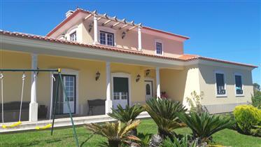 Maison moderne traditionnelle à 10 km de  la plage de Areia ...