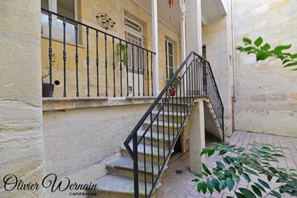 For sale Bordeaux Bastide T3 apartment with private courtyard