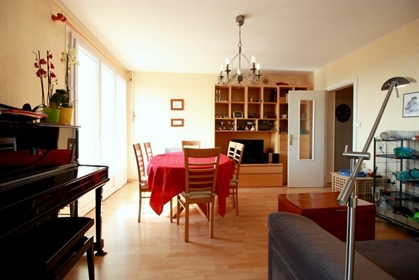 Dpt Gironde (33), for sale Bordeaux Cauderan apartment T4 of 82.5 m2 with balcony
