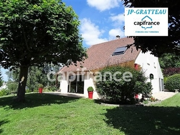 Dpt Vienne (86), for sale Chatellerault P6 house of 194 m² -...