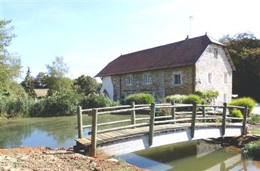 Traumhafte Mühle mit 3,5 ha in Alleinlage zwischen Vesoul und Besançon