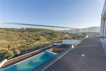 Moradia T3 na Murteira, Loures, com piscina