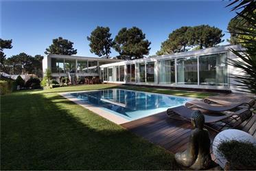 Vivenda: 248 m²