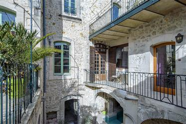 Beautiful private mansion (Hotel)670 m2 habitable + 250 m2 outbuildings, 200 m2 sunny terraces / poo