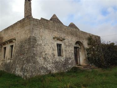 Complexes of trulli, lamias and old stables