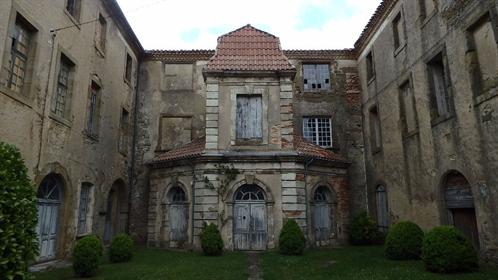 Castle Near Limoux To Renovate