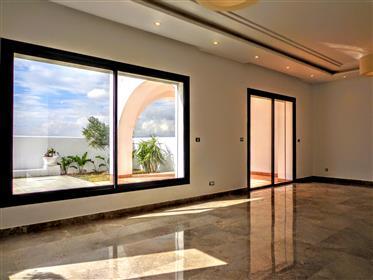 Vivenda: 275 m²