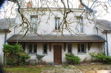 À Blois, grande maison bourgeoise à rénover