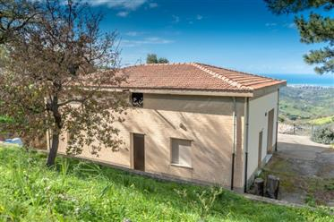 Vivenda: 110 m²