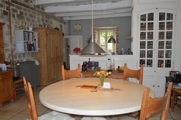 Village house for sale next to Cordes sur Ciel in the Tarn w...
