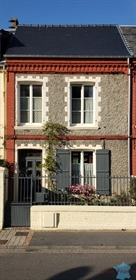 Rating Picardy Street House with garden in town centre