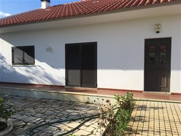 Vivenda: 176 m²
