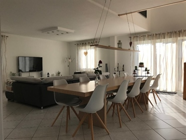 Leymen, 10min walk Station Tram Bâlois, House of 230m ², 5ares of ground, terrace with Jacuzzi !!!