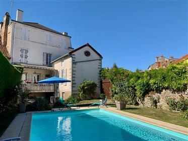 Character house with swimming pool, in a village with all convenience at 25 minutes driving distance