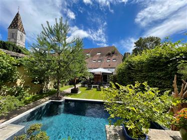 Beautiful property renovated, premium location, private garden