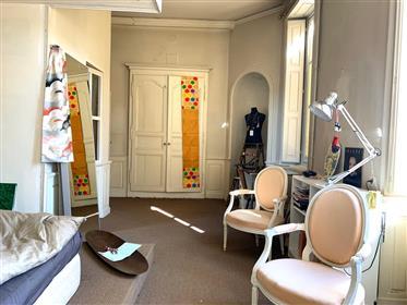 Appartement ancien, situé dans le centre historique de Beaune, Bourgogne