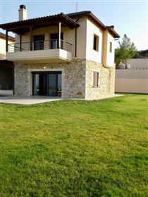 Πολυτελής κατοικία : 185 τ.μ.