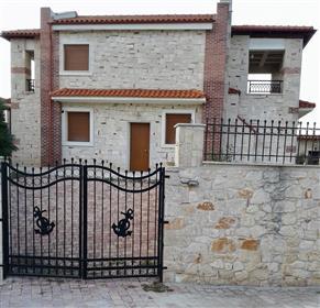 Πολυτελής κατοικία : 170 τ.μ.