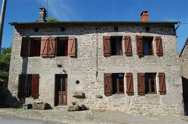 Stunning stone property with 3 barns nestled in a small hamlet in the Monts d'Ambazac