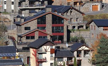 Villa de luxe dans le quartier le plus exclusif d'Andorre