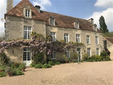 Farmhouse Manor XVIII in the Calvados