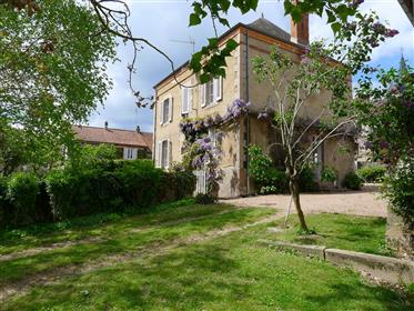 Surprising property at the heart of the Burgundy countryside