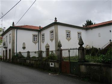 House: 834 m²