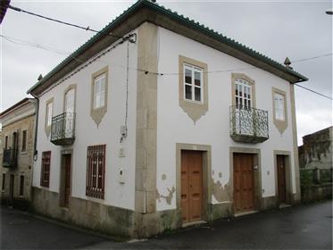 Moradia Senhorial Tipicamente Portuguesa!!!