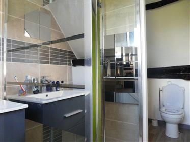 Lovely renovated property on 4.7 hectares